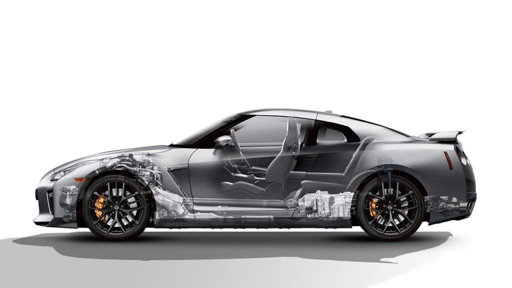 стоковый Nissan GTR