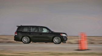 Toyota Land Cruiser 200 разогнался до рекордных 370 км/ч - тюнинг