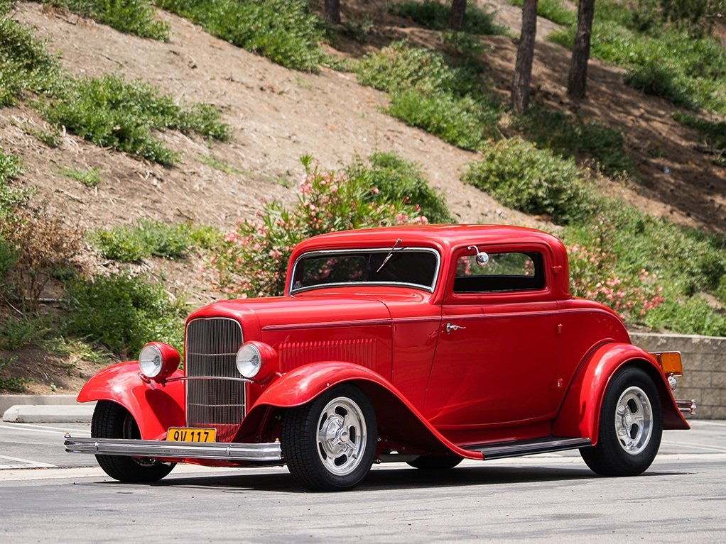 1932-ford-v8-deluxe-coupe-hot-rod-1