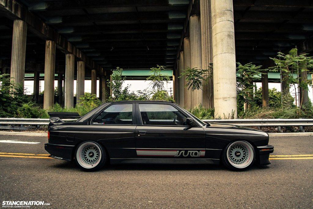 Статусная модель, уважаемый человек - BMW M3 E30 1988
