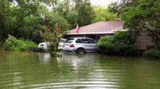 Как находчивый Коди Крочет три БМВ от коварного наводнения защитил