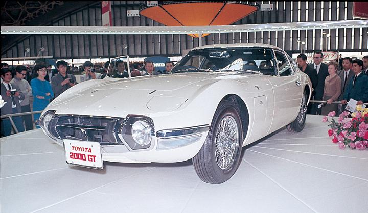 Toyota 2000GT - cреди коллекционеров в цене