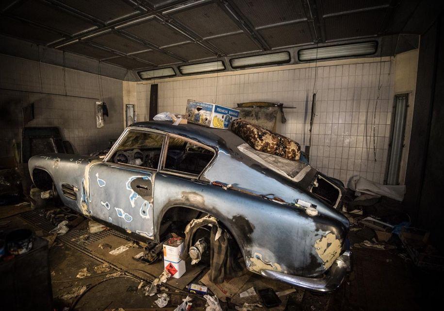 Заброшенный эксклюзивный автомобиль оценили в семь миллионов рублей (3)