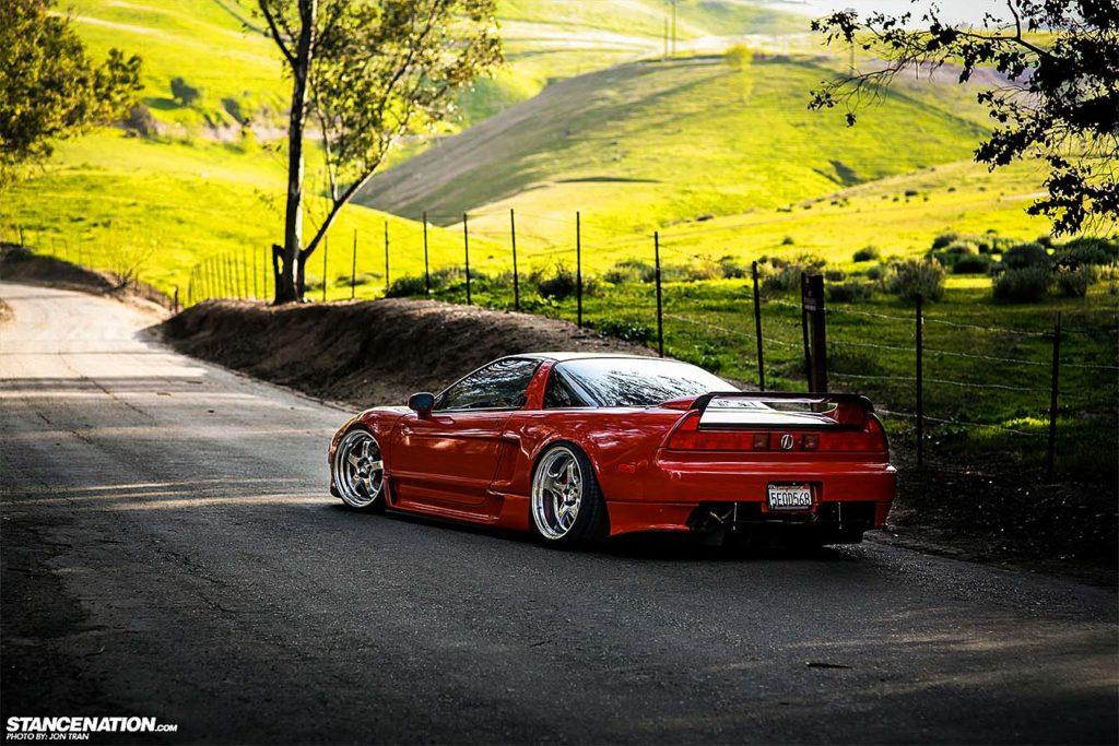 Acura NSX 1991 года - машина вне времени...