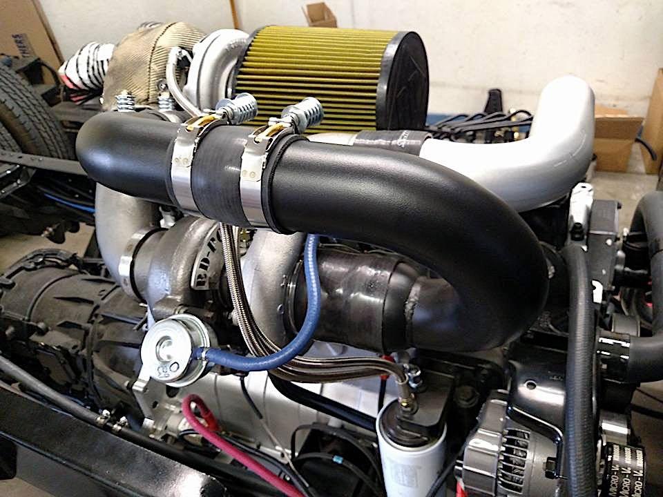 6 литров и 2 турбины - самый стильный дизельный эвакуатор
