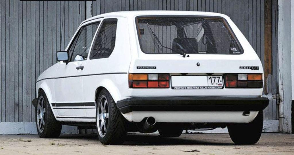 Как на скромном Golf Mk1 GTI обогнать Porsche