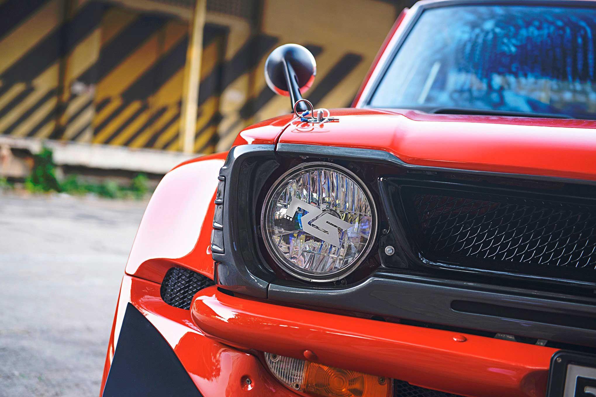 Красная Toyota Corolla KE25 на роторном 13B13