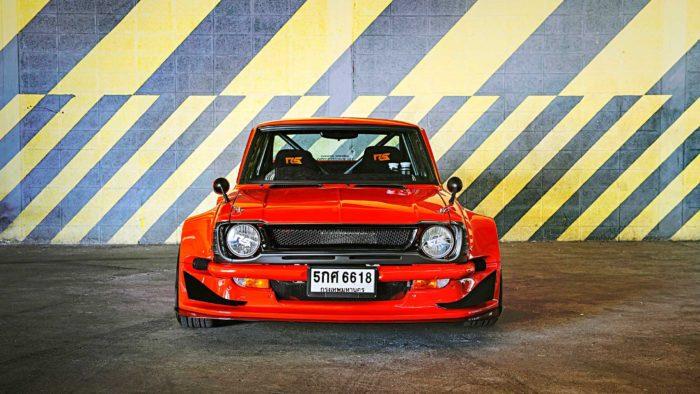 Красная Toyota Corolla KE25 на роторном 13B