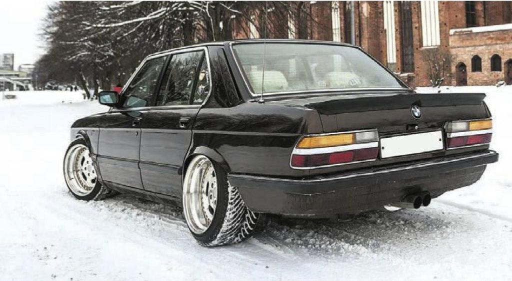 О, едет очередное ведро Проект BMW 5 E28 2