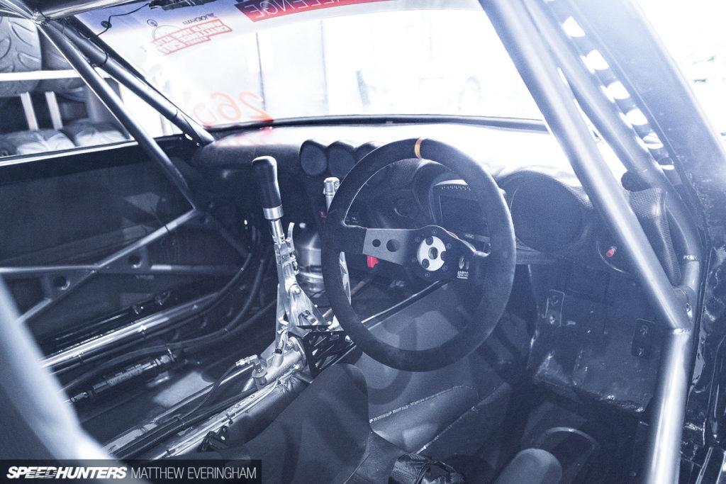 Datsun 240Z с двигателем Nissan GT-R R35