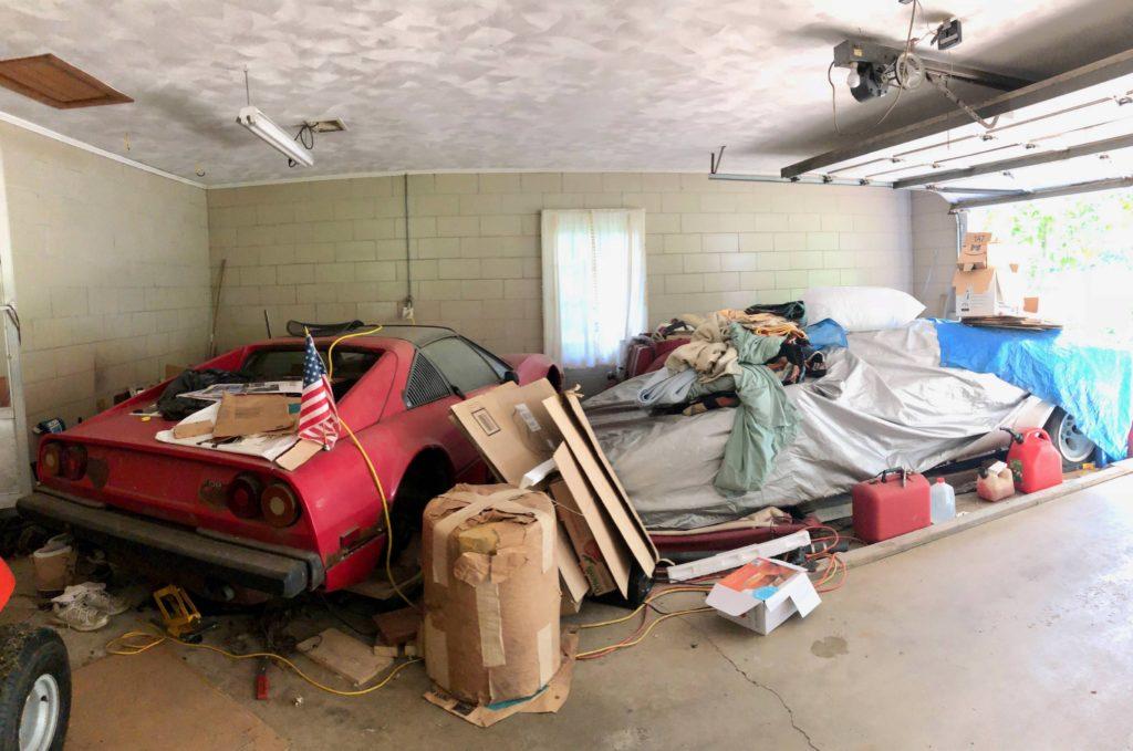 Эксклюзивные «тачки» Lamborghini и Ferrari простояли 20 лет в гараже