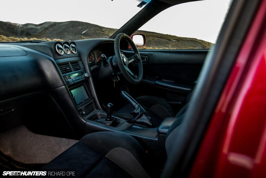 Nissan Skyline R34 на 2JZ