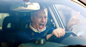 Как вести себя с агрессивными водителями на дороге
