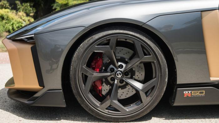 Nissan выпустит лимитированный суперкар за миллион евро