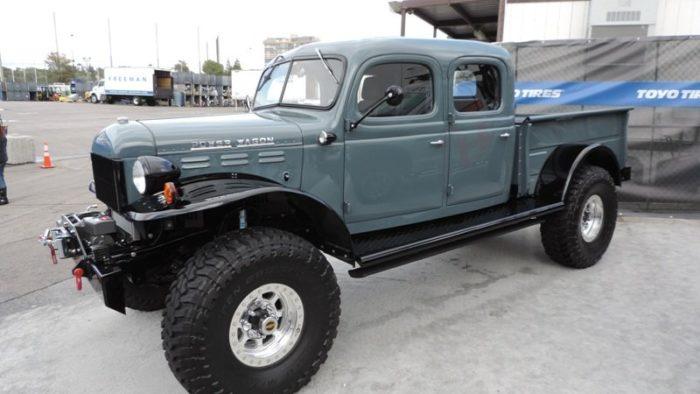 Старый пикап Dodge продают по цене новой Феррари
