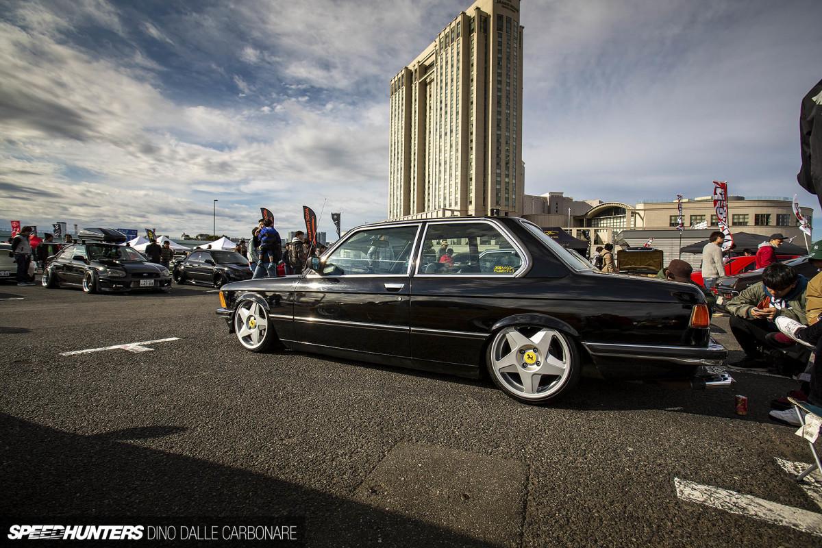 BMW E21 в королевских тапочках
