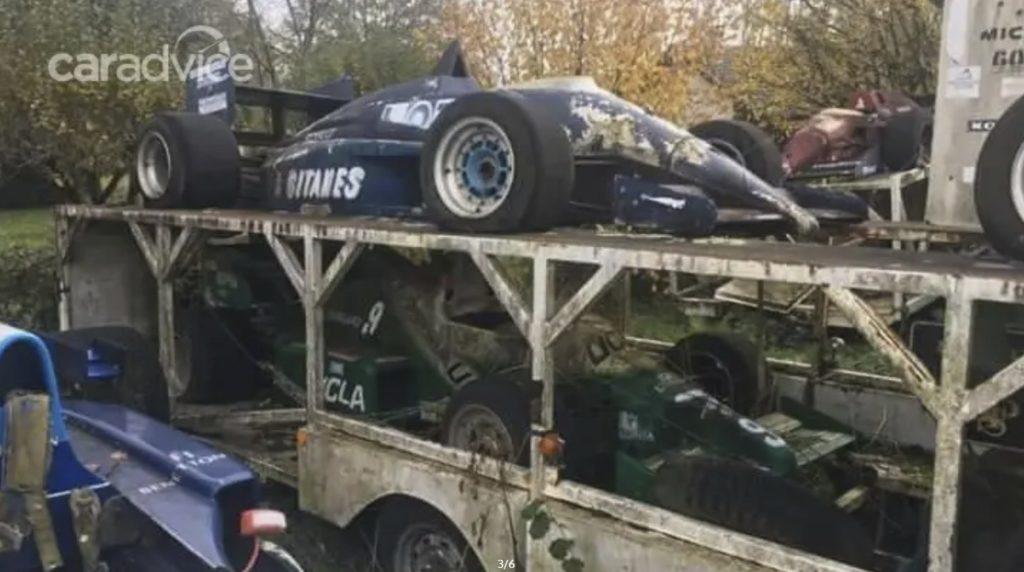 Как такое может быть Болиды Формула 1 ржавеют на трейлере несколько десятилетий