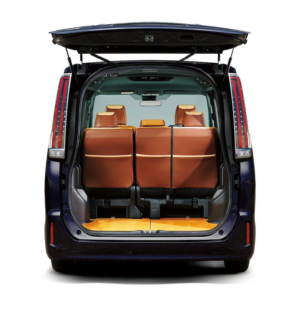 Multi Utility – специальная версия Toyota Voxy, Noah и Esquire от Modellista