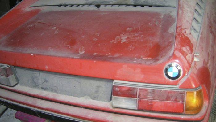 Неожиданная и ценная гаражная находка - BMW M1 с пробегом всего 7300 км!