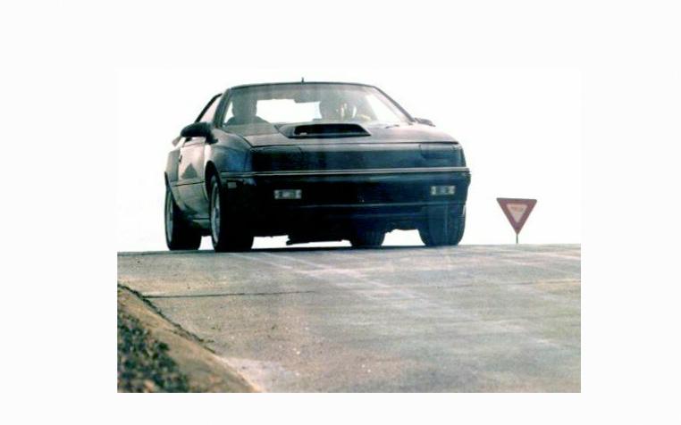 Неудачная попытка создания спортивного автомобиля - Dodge Daytona Shelby