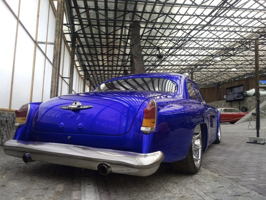 Невероятно красивое купе из Волги ГАЗ-21 в стиле навороченных маскл-каров
