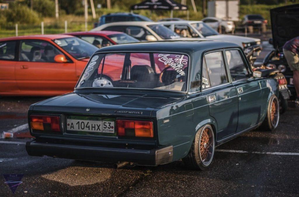Стильный ВАЗ-2105 из Великого Новгорода с нехитрым тюнингом