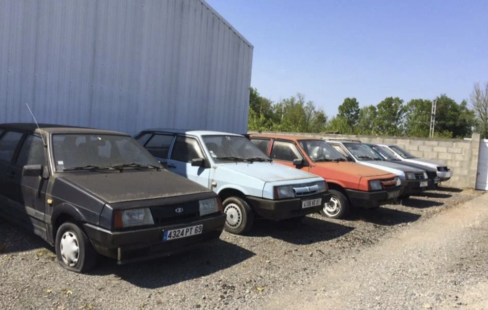 Заброшенный дилерский центр автомобилей LADA нашли во Франции