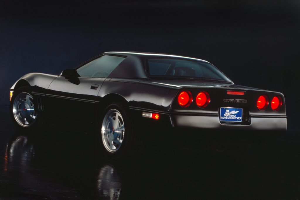 Настоящий американский автомобиль - Chevrolet Corvette