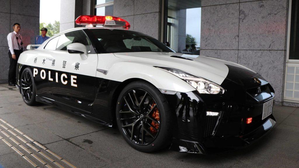 Самые крутые машины японской полиции - 日本パトカー