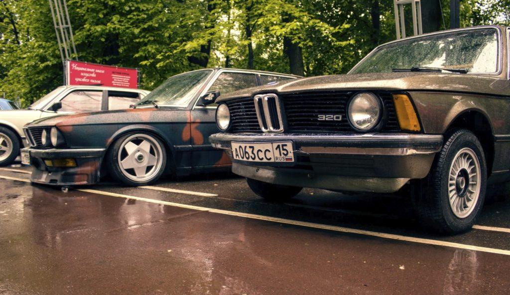 Интересные автомобили с ретрофестиваля