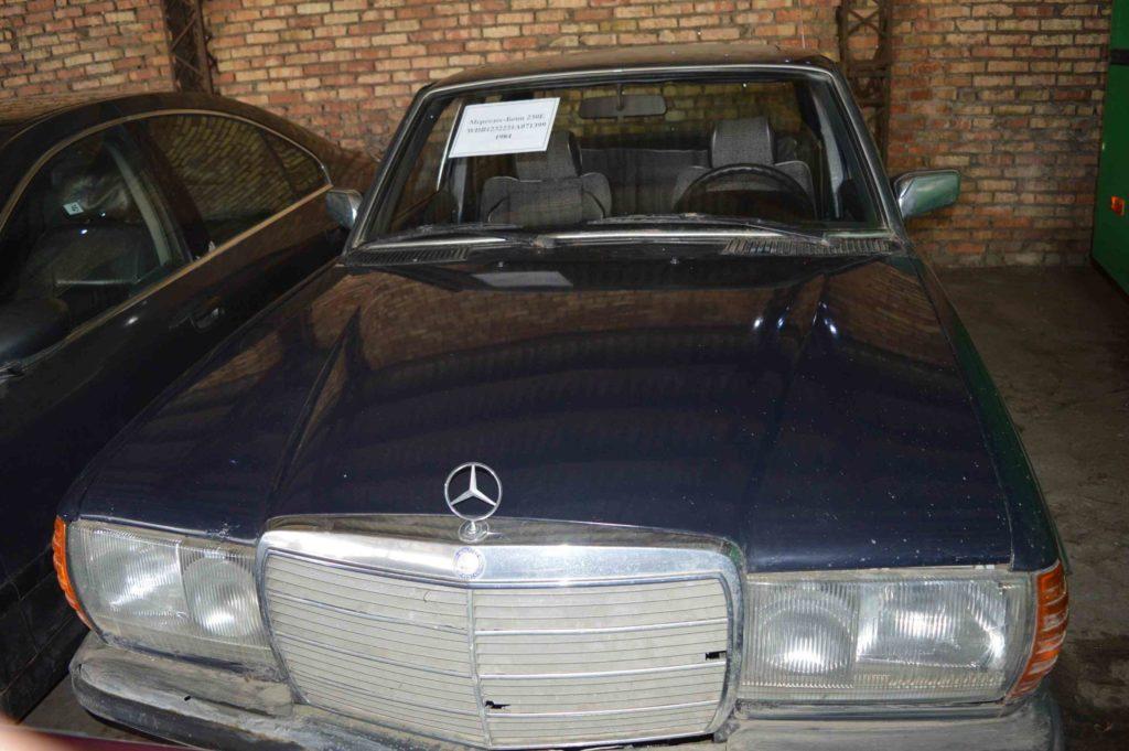 КГБ Белоруссии избавляется от старых импортных машин