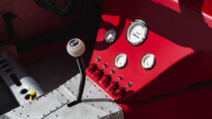 Porsche c семилитровым двигателем